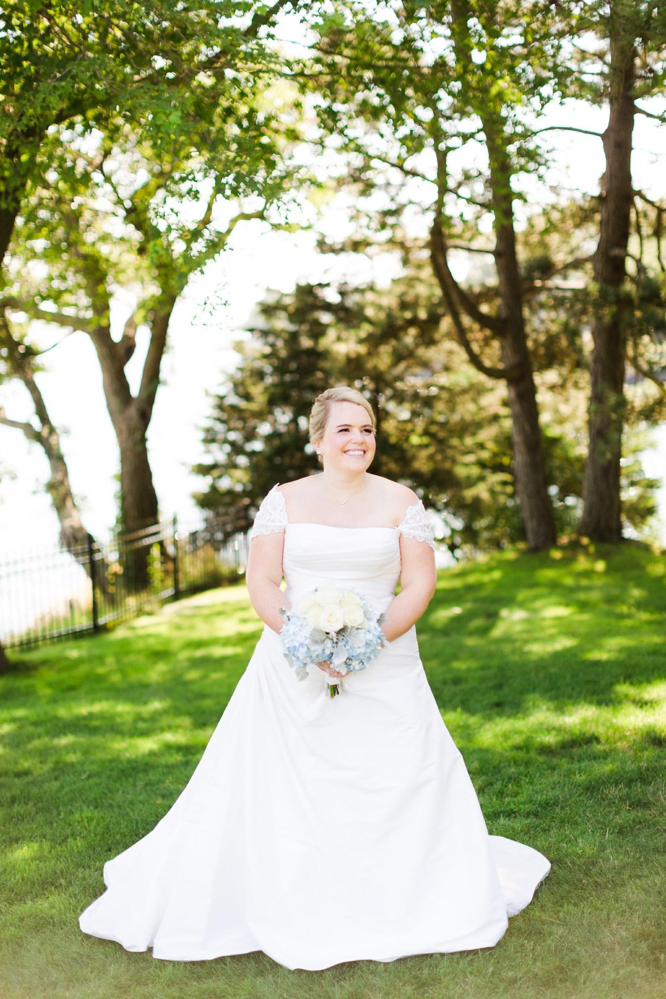 misselwood_endicott_college_wedding_photos_00027.JPG