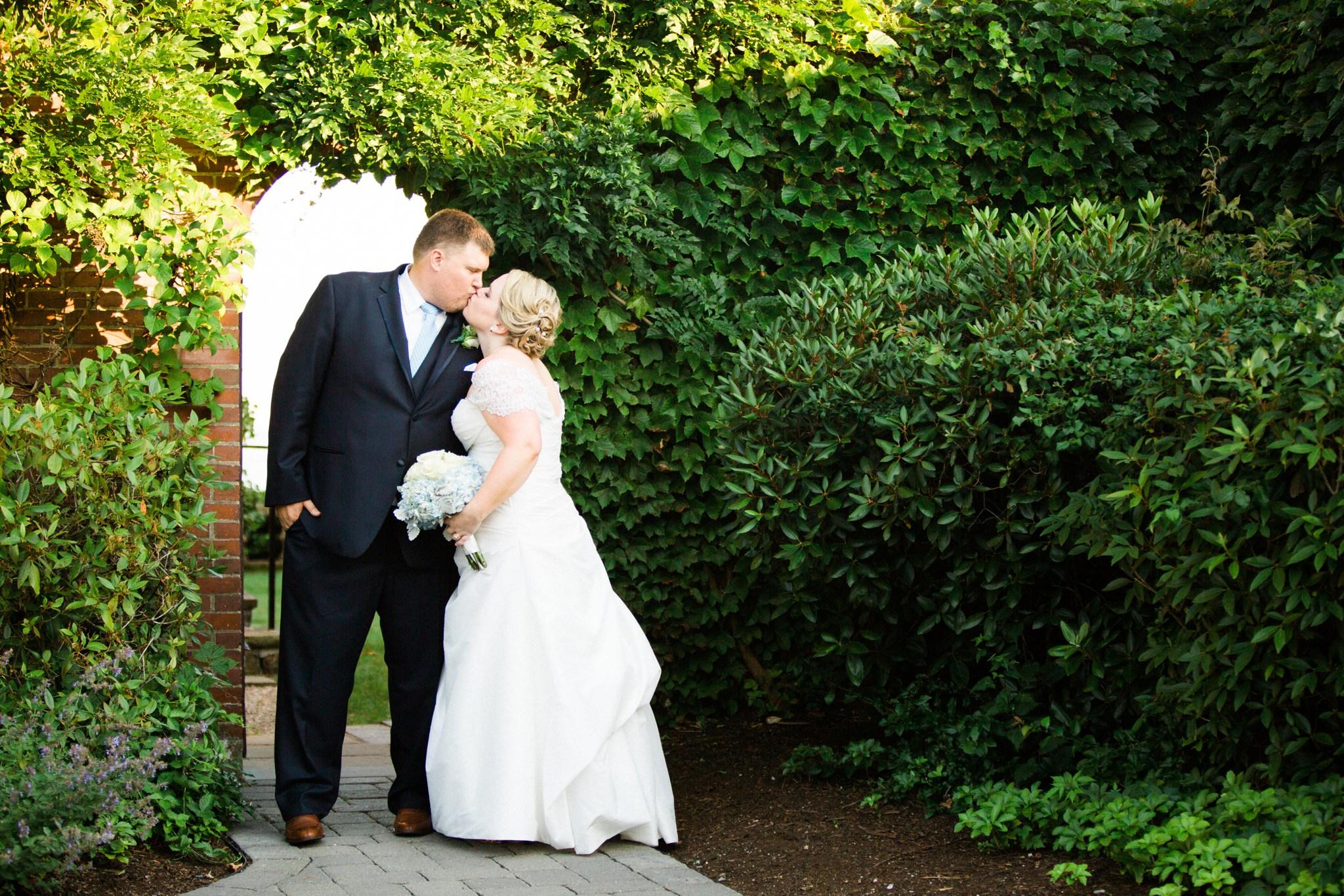 misselwood_endicott_college_wedding_photos_00075.JPG