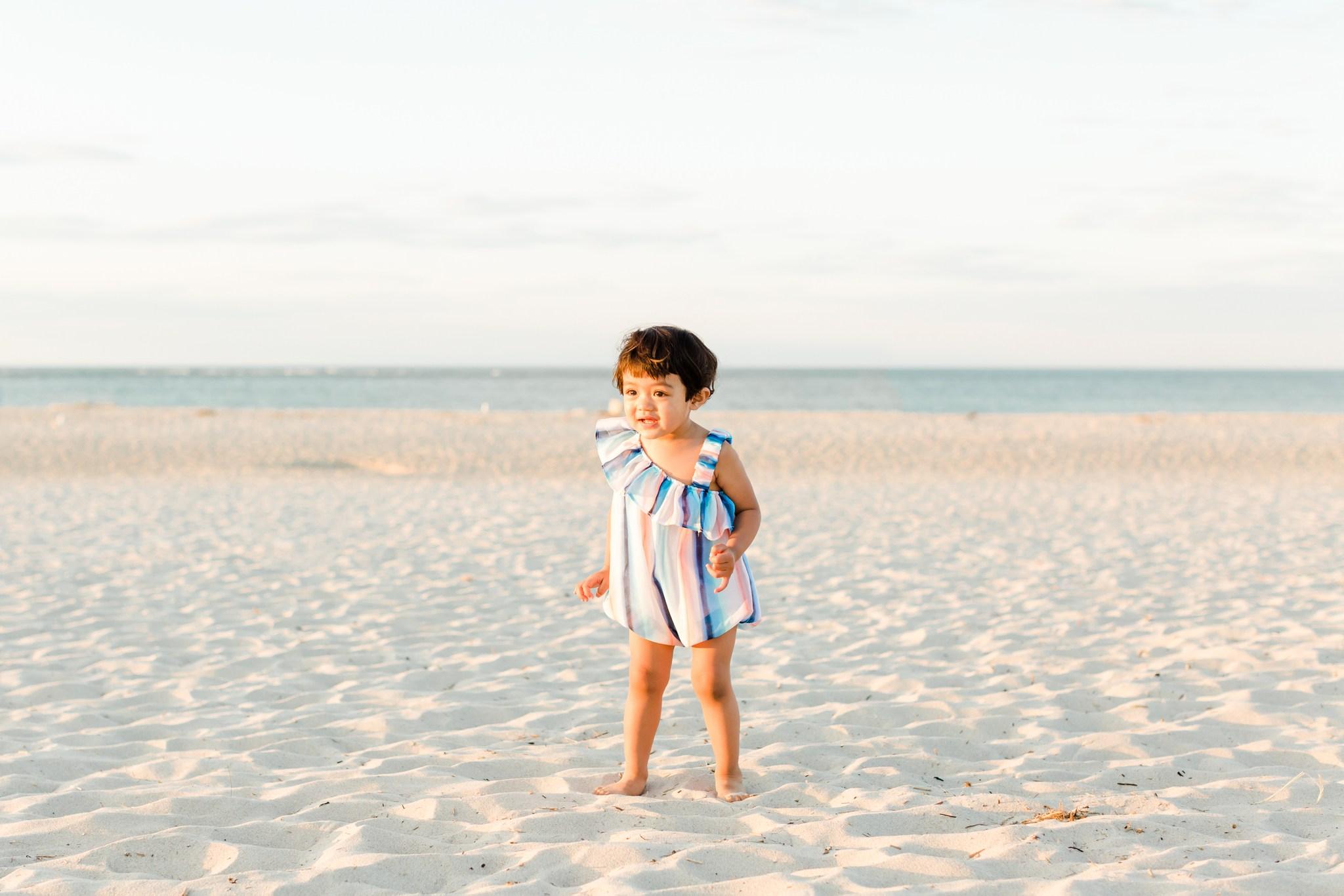 crane_beach_family_portraits_deborah_zoe_00008.JPG