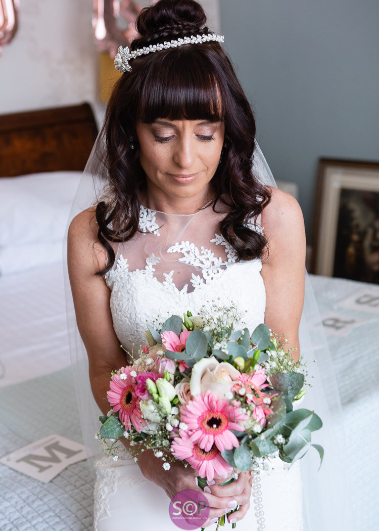 bride and bouquet at the iliffe coventry