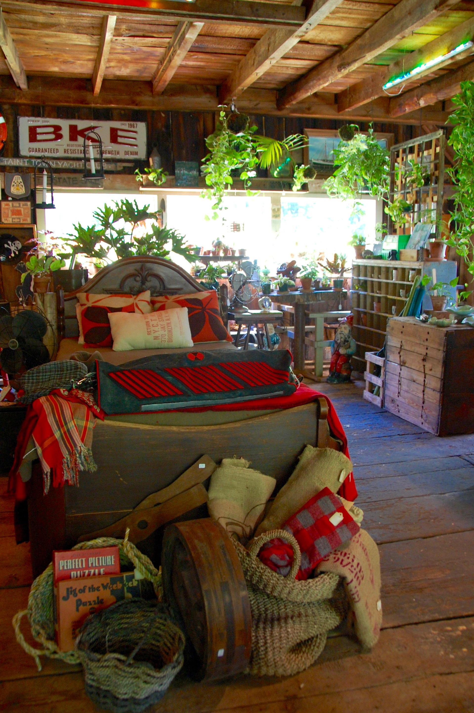 Hort & Pott interior, Oak Hill, NY