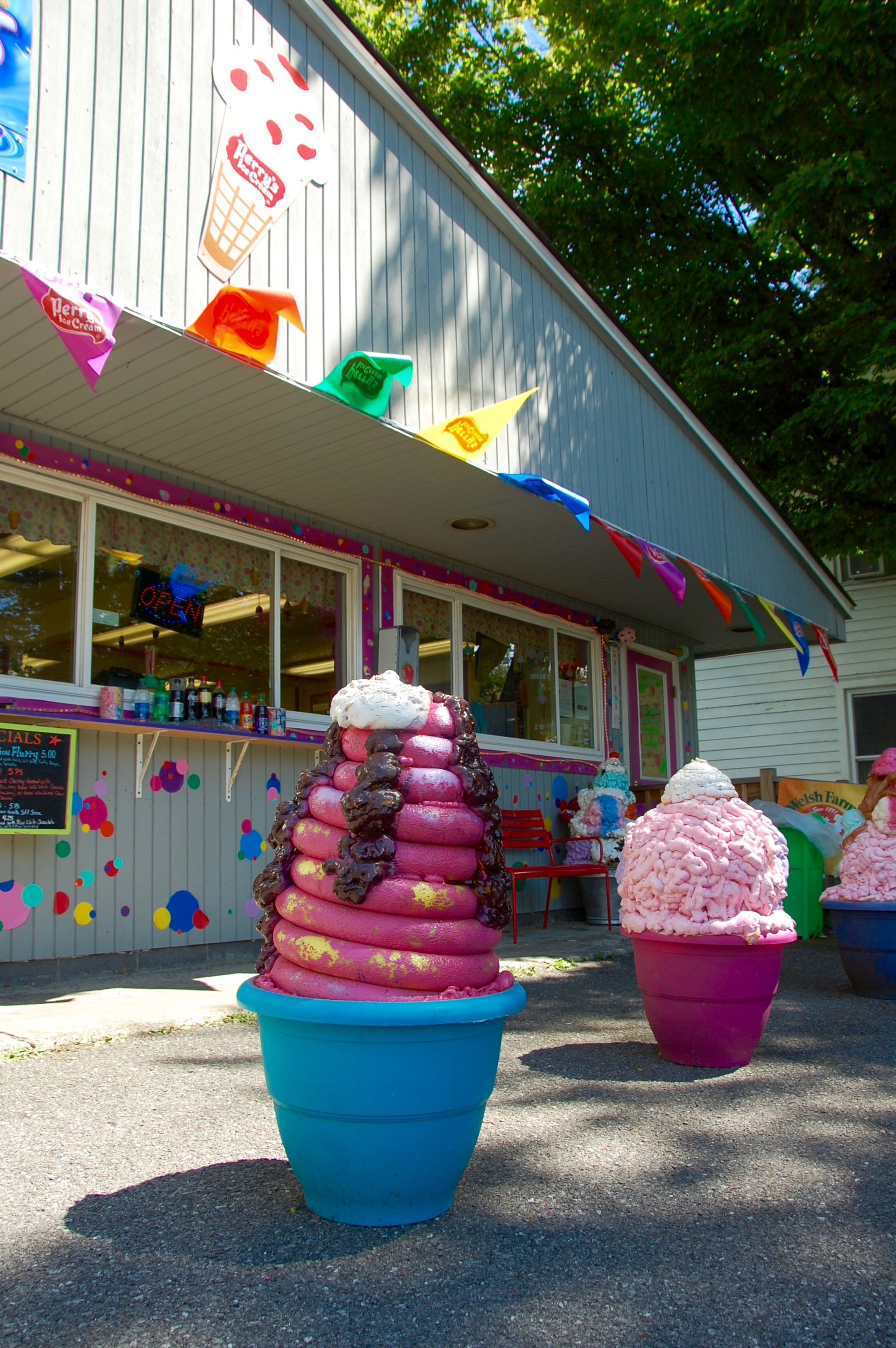 Giant ice cream sculptures decorate the parking lot at 2 Twisted Ladies in Greenville.