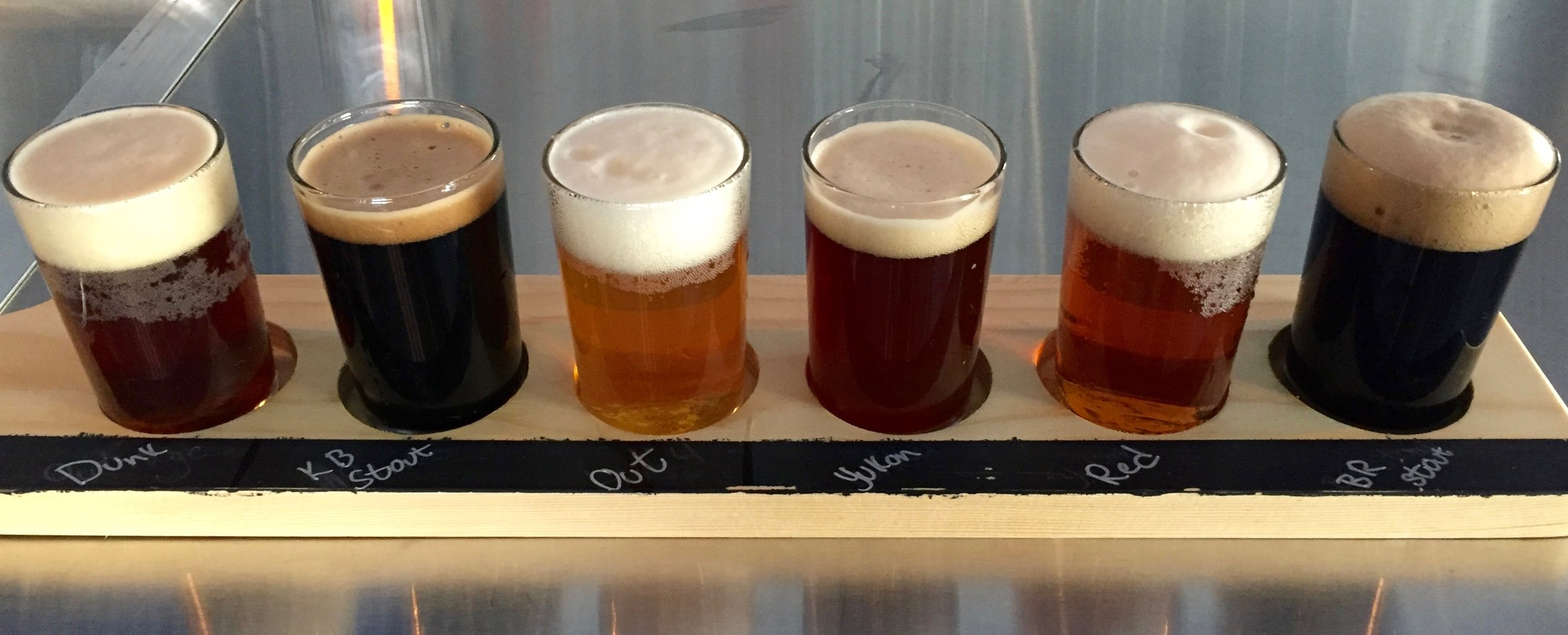 crossroads brewing beer flight