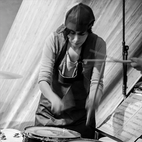 Reynaliz  is a professional musician, percussionist, composer and educator.