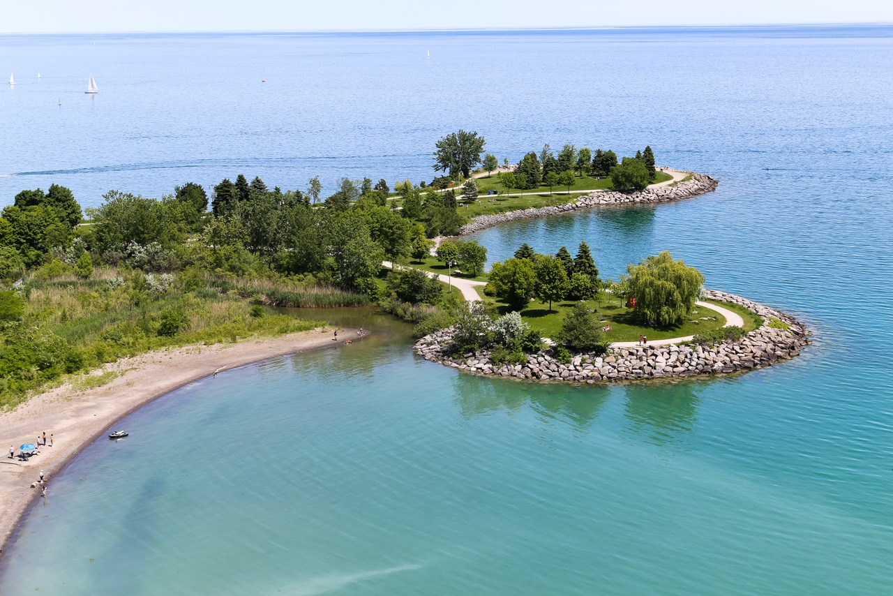 BLUFFERS PARK AT THE SCARBOROUGH BLUFFS  Photo Credit: licensed through shutterstock.com