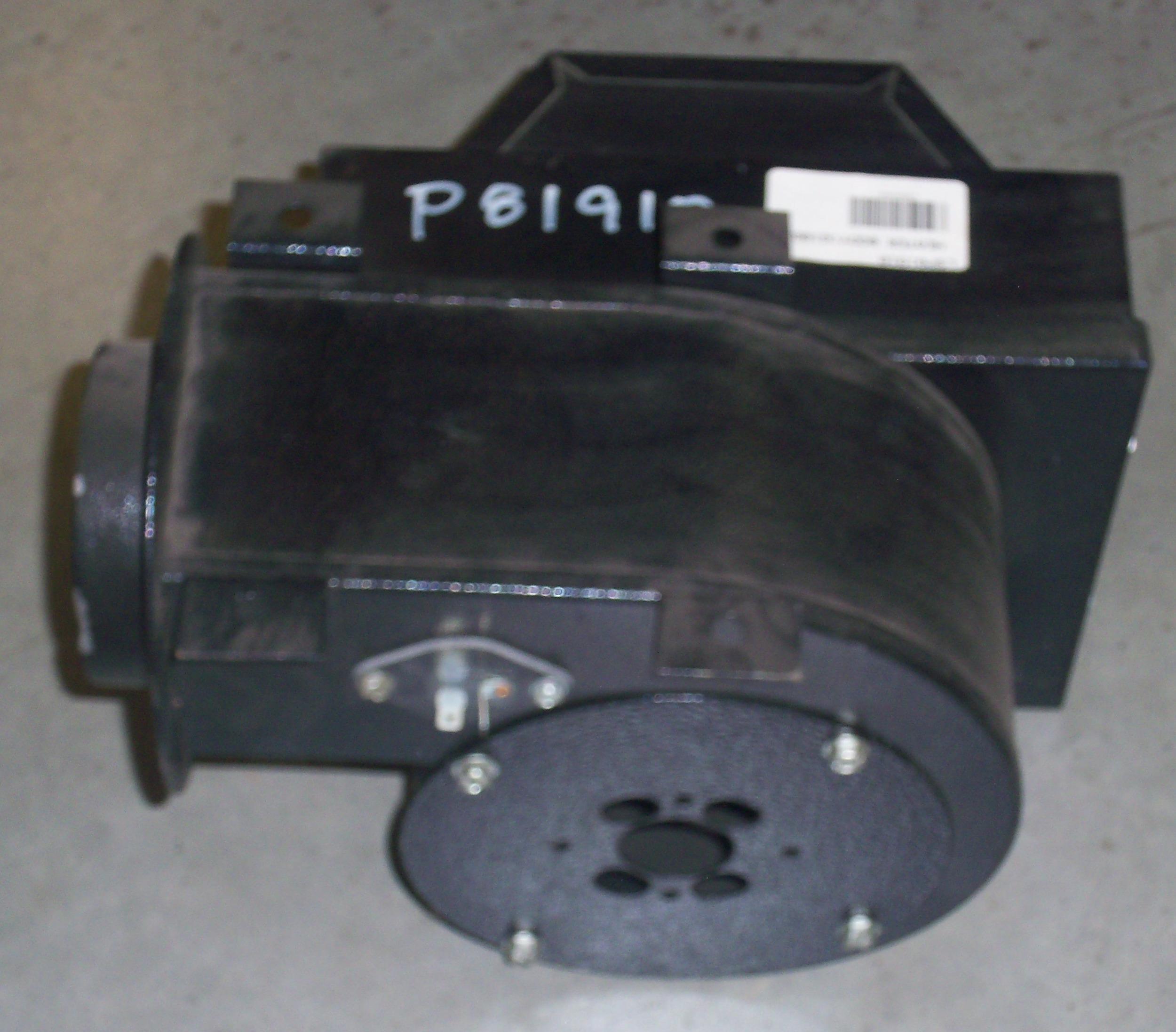 P81910-2.jpg