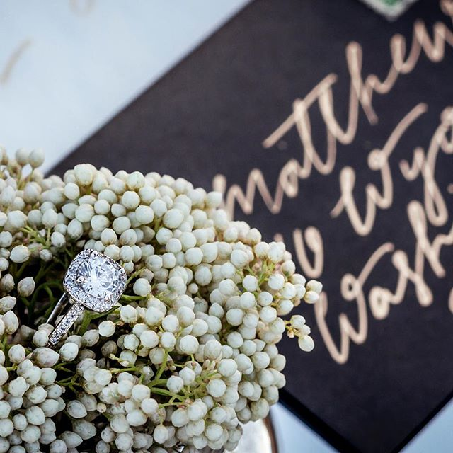 Shimmery rings and shiny gold addresses, these are a few of my favorite things! Envelopes are slate by  @papersource, gold is @finetec with a Blue Pumpkin nib and heavy pressure. ... Lots of love for this awesome team of vendors! Décor Styling: L&L Events @l.and.l.events Florals: @thepinkpoppy_customdesigns Photography: @foxandowlphotography Baked goods: @signaturesweetsbyamanda  Hand Lettered Signage: @leahletters_ Model: @ktj30 Rentals and Décor: @bellavillashop Venue: @tranquilityfarmweddings
