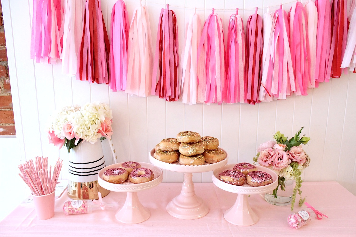 pink-the-town-doughnut-party-27.jpg