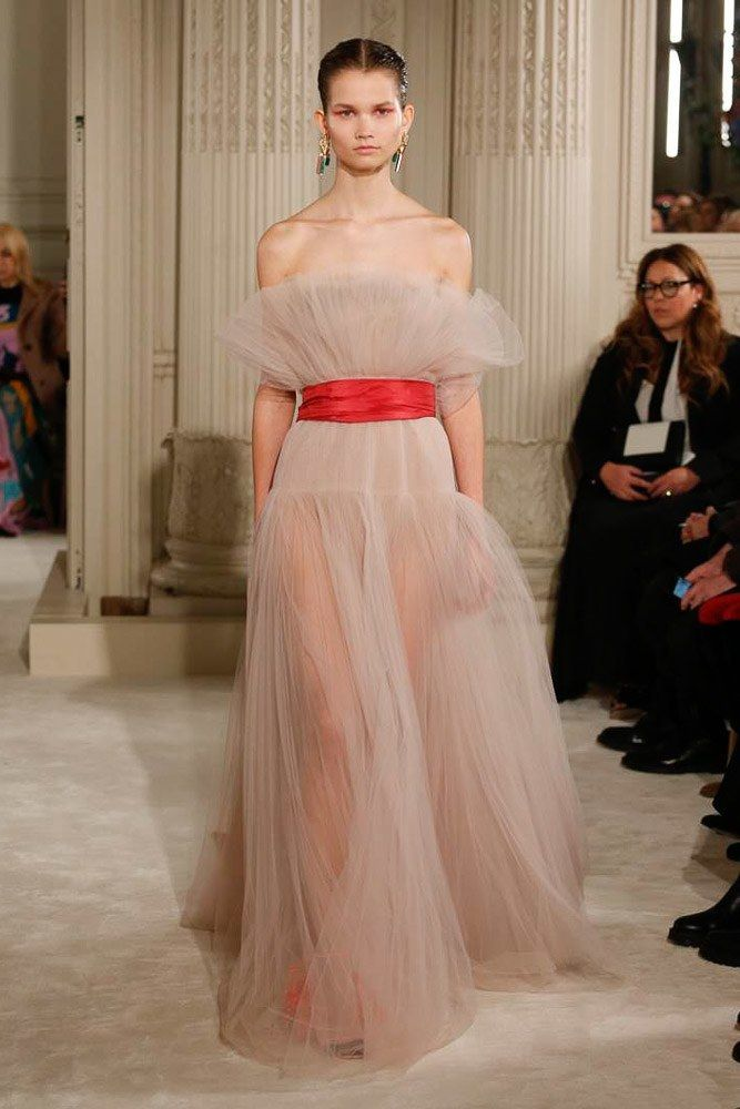 The complete Valentino Spring 2018 Couture fashion show now on Vogue Runway..jpeg