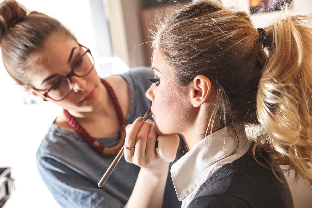makeup artist tax deductions