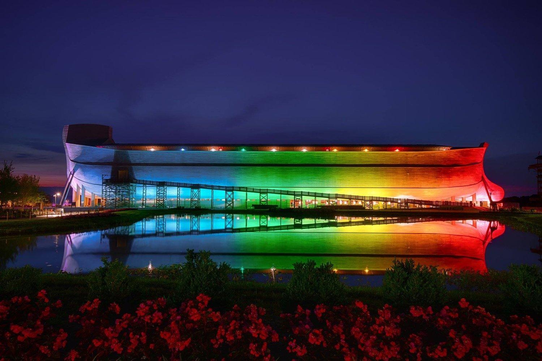 #607 - Ken Ham's Rainbow Ark - Chris...