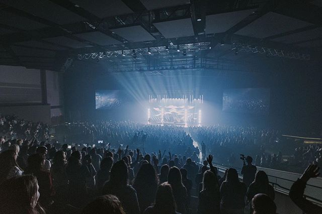All of Heaven roars Your name Let this place erupt with praise A sound of Heaven touching earth • #daretobeevent #charlottegambill #nataliegrant