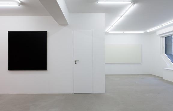 Installation view, Olivier Mosset , STL, Luxembourg, 2014