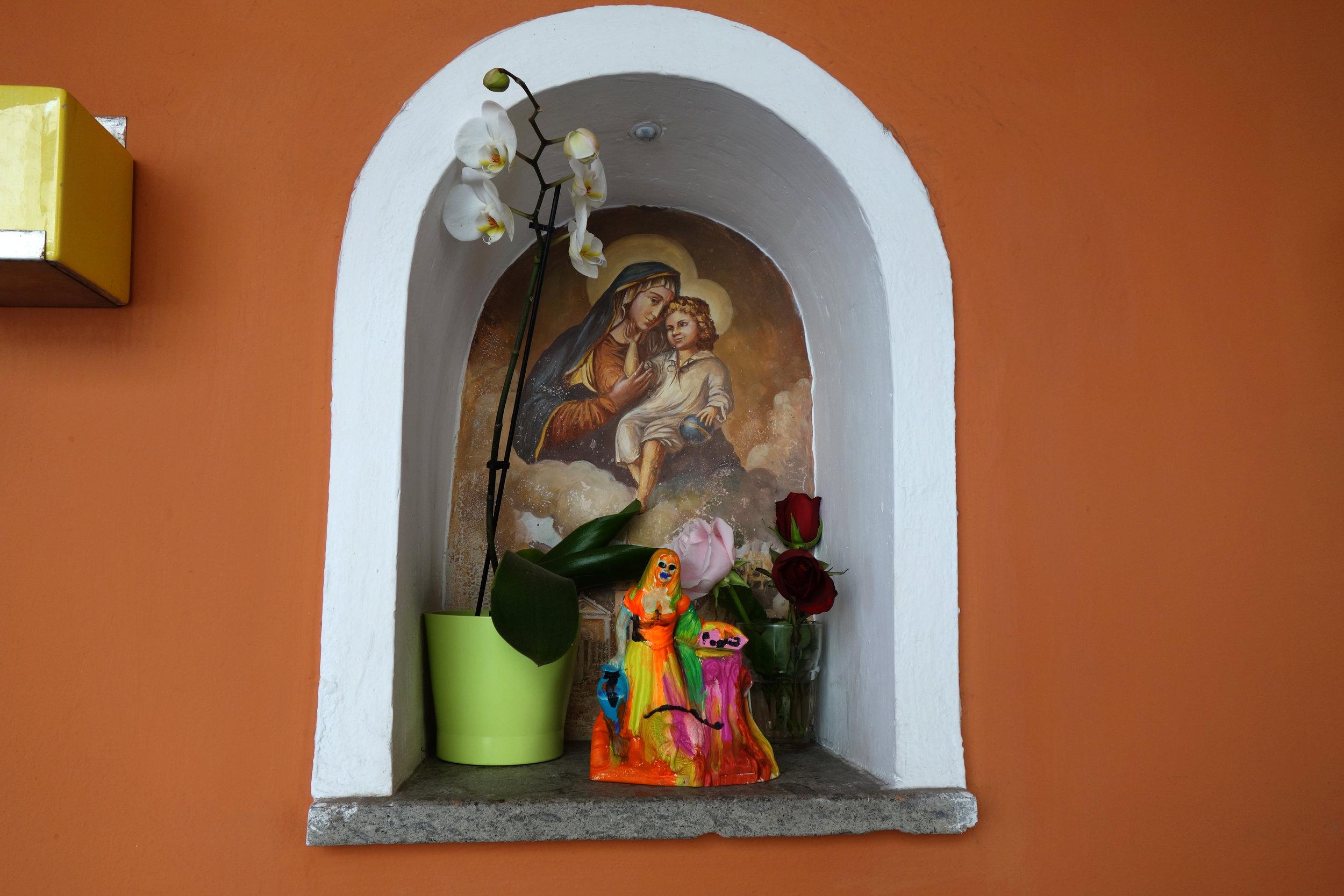 Installation view, Buon Compleanno Nonna, STL, Naples, 2017