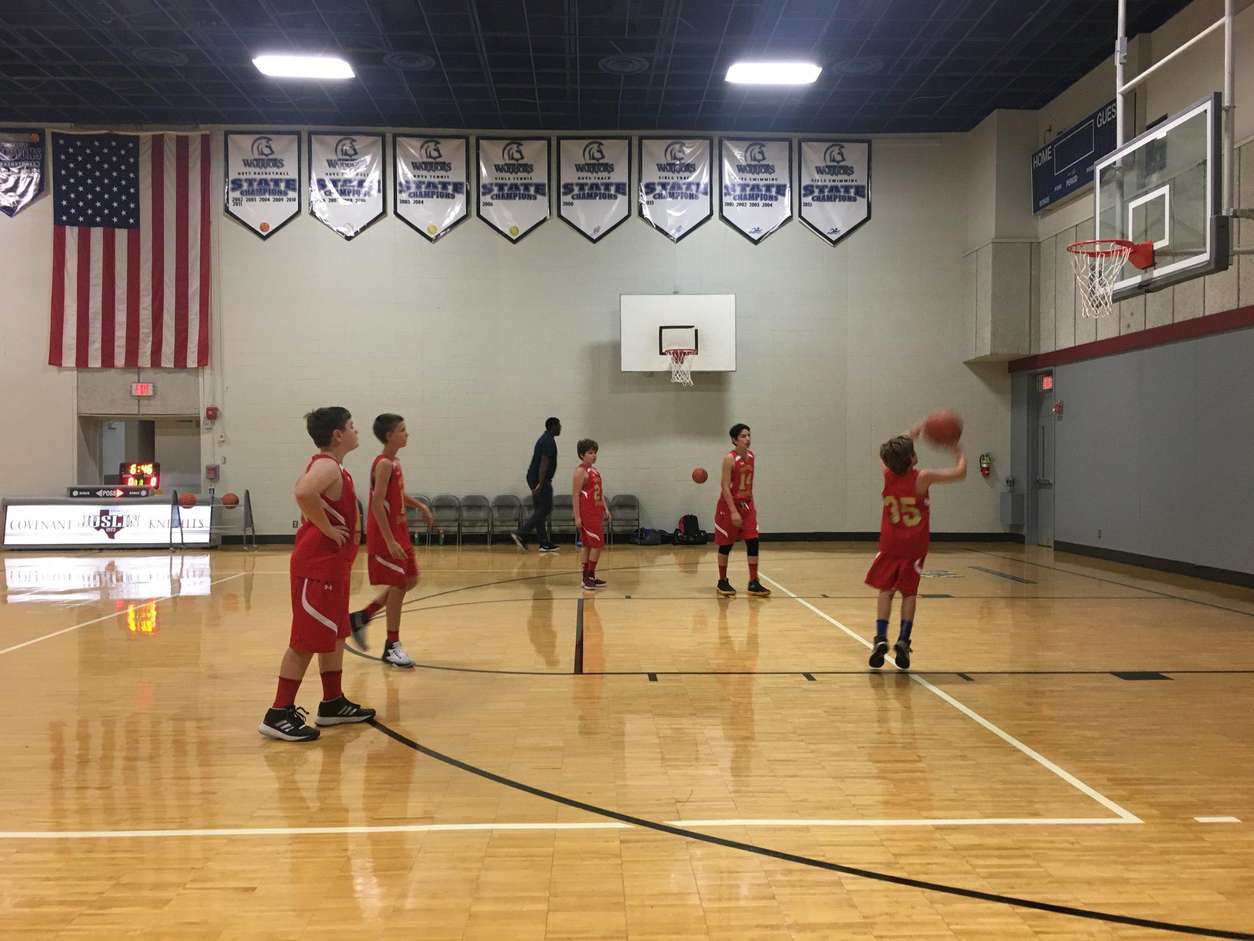 Paratus Academy basketball team