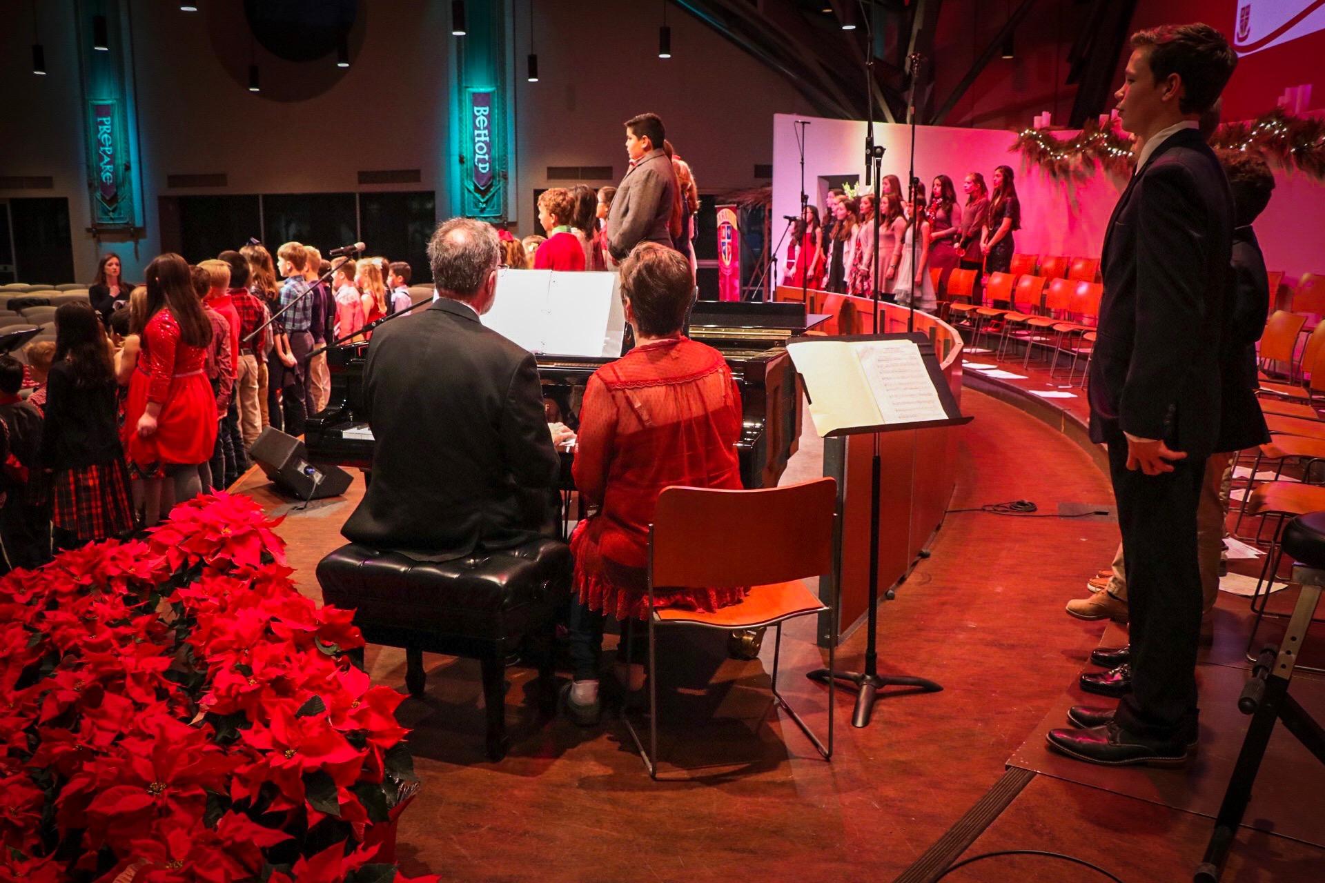 Paratus Christmas Show Piano.JPG