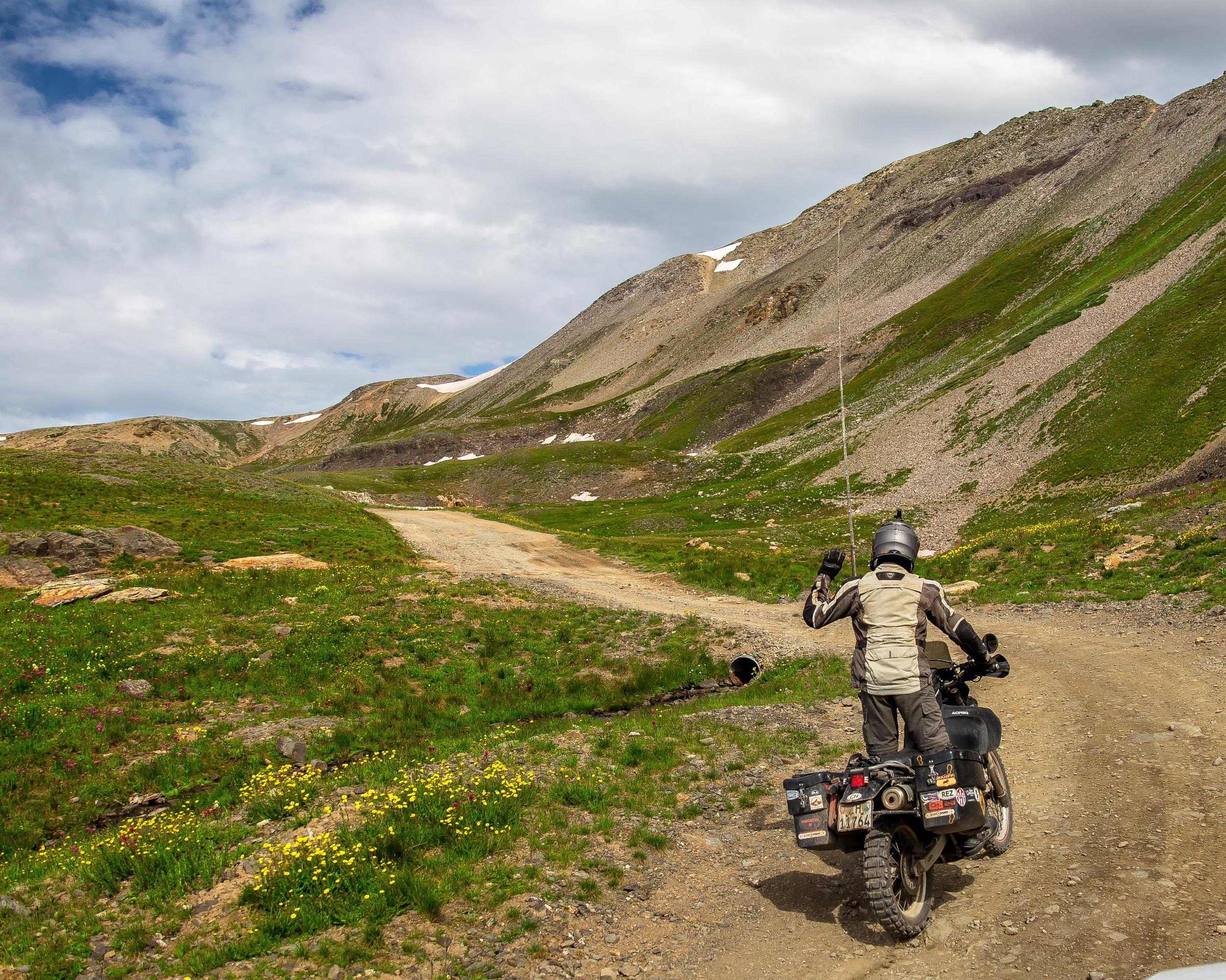 Towards Black Bear Pass