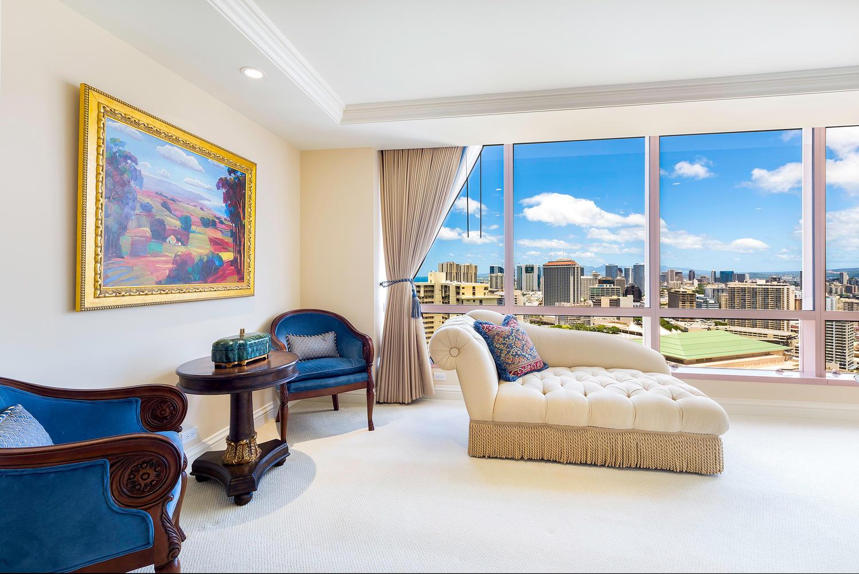 1888 Kalakaua Avenue Suite-large-010-9-LivingLounge copy-1498x1000-72dpi.jpg