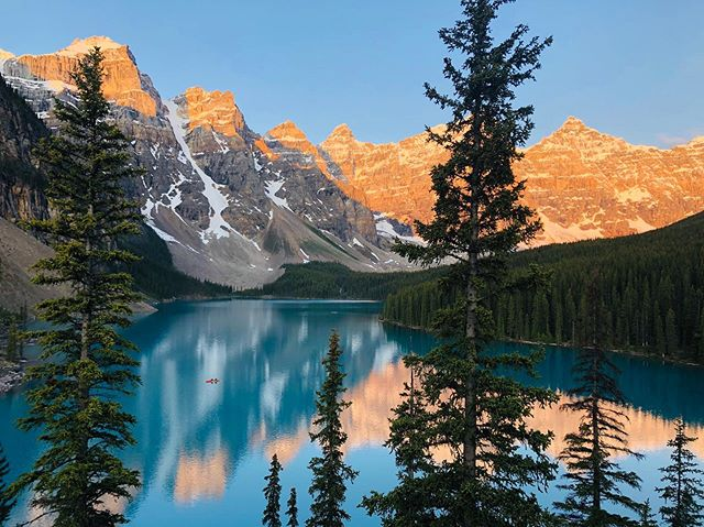 Happy Canada Day from this beauty of a lake! 🇨🇦 Sunrise at Moraine Lake was worth sacrificing precious sleep for. #canadaday #banff #lakelouise #nature #hiking #nofilter #photography #tlpicks #nationaltreasure #lake #morainelake #sunrise #beauty #escapefromnewyork #instatravel #nationalpark