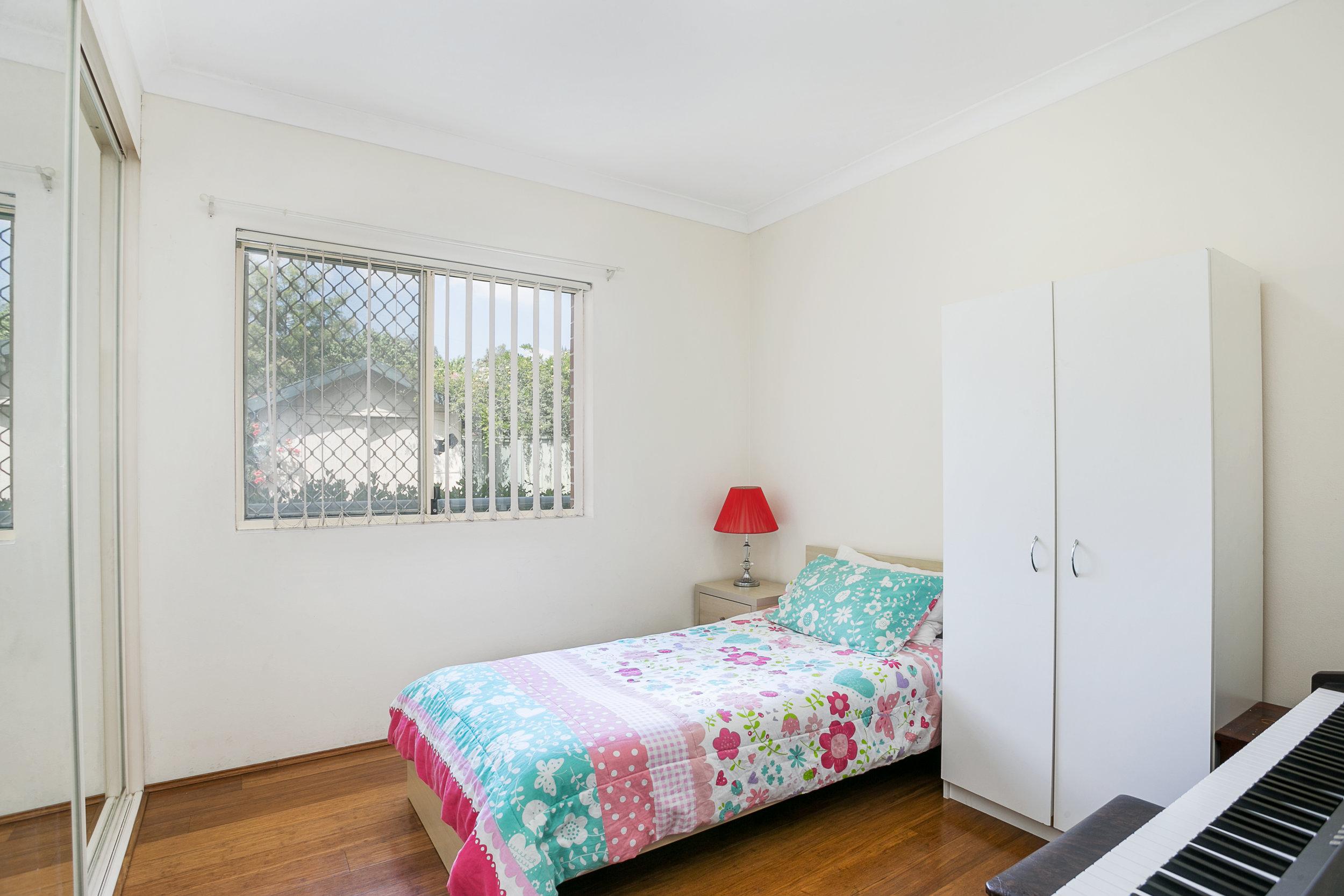 4-10-14 Crane - Bedroom.jpg