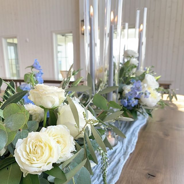 And that's a wrap on a very busy, fun and successful wedding planning weekend for one of my darling brides. She has a very fun organic vibe and the entire concept will come together like a dream.  Loved the florals and the touches of gray blue SO much! @artisanbloom is the best design partner a planner could have 💕🌸 Stay tuned because you'll definitely want to see the final product of this pretty ranch wedding 🥰 (this is just a sneak peek from the mock up!) . . . . #weddingdesign #organicweddings #tabletop #centerpieces #wedinspo #ranchwedding #rockymountainwedding #dreamwedding #blueandgray #riverbottomsranch #blueandwhitewedding #melissafancy