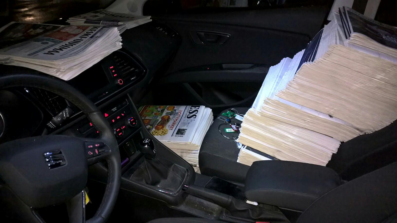 "- The papers for the first circuit are in nice order in the ""office"". Helsingin Sanomat on the front bench, the ESS in the leg room and ""small papers"" on the dashboard. The second circuit is waiting in the trunk."