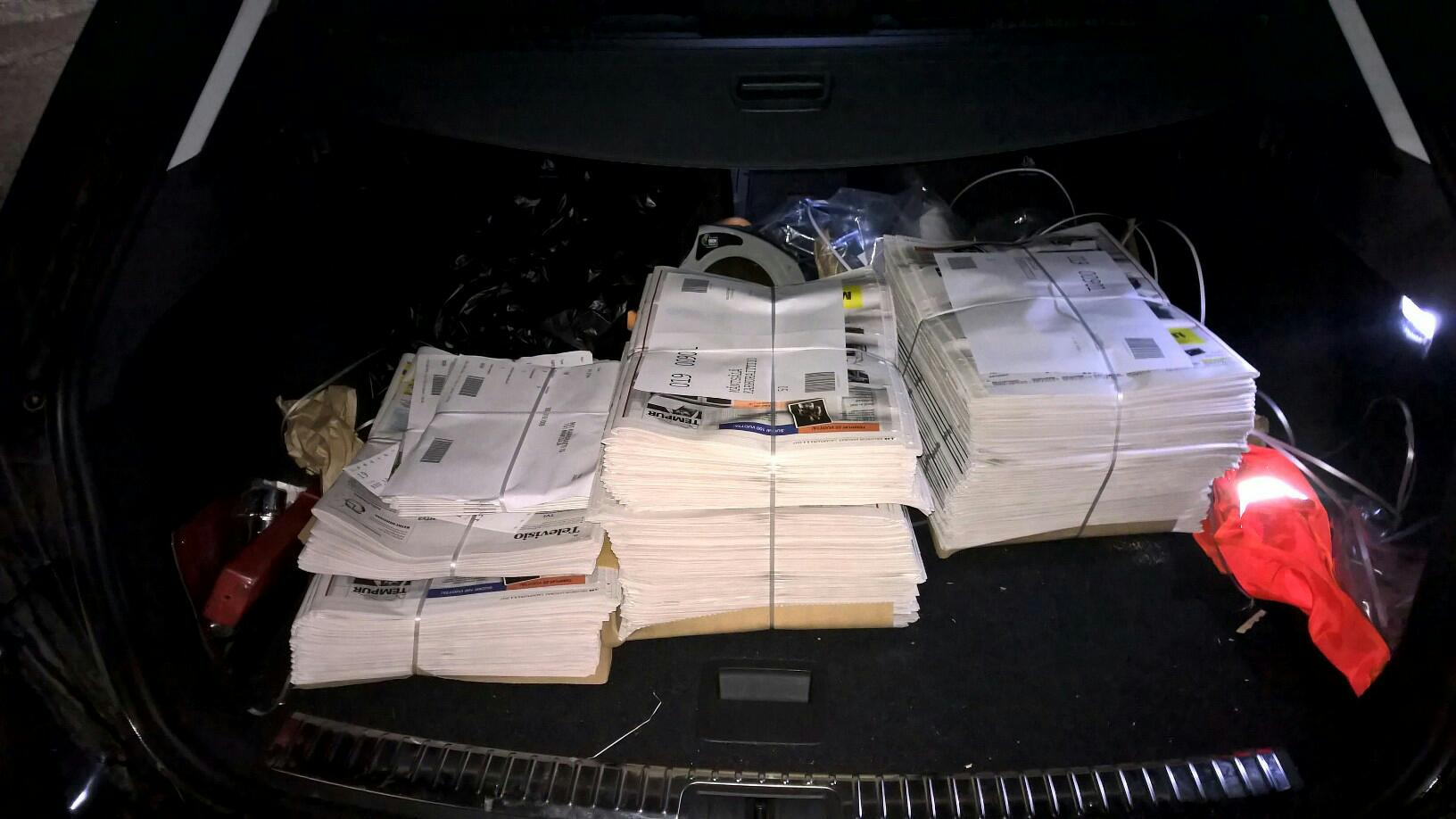 - This time, the load is small. Two circuits to do, the Sunday's Helsingin Sanomat is thick but a small number of other papers are also delivered.