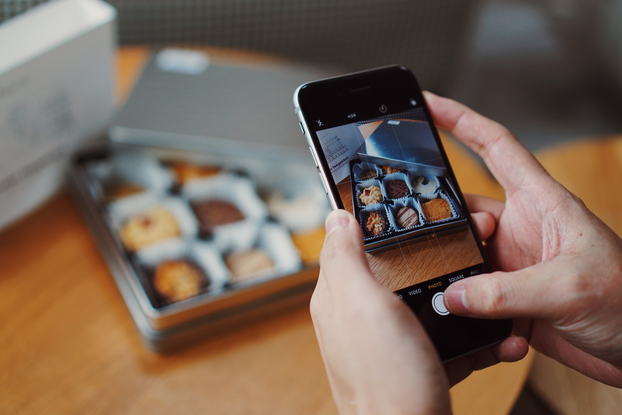 Social Media Advertising for Food Brands & Fine Dining Restaurants