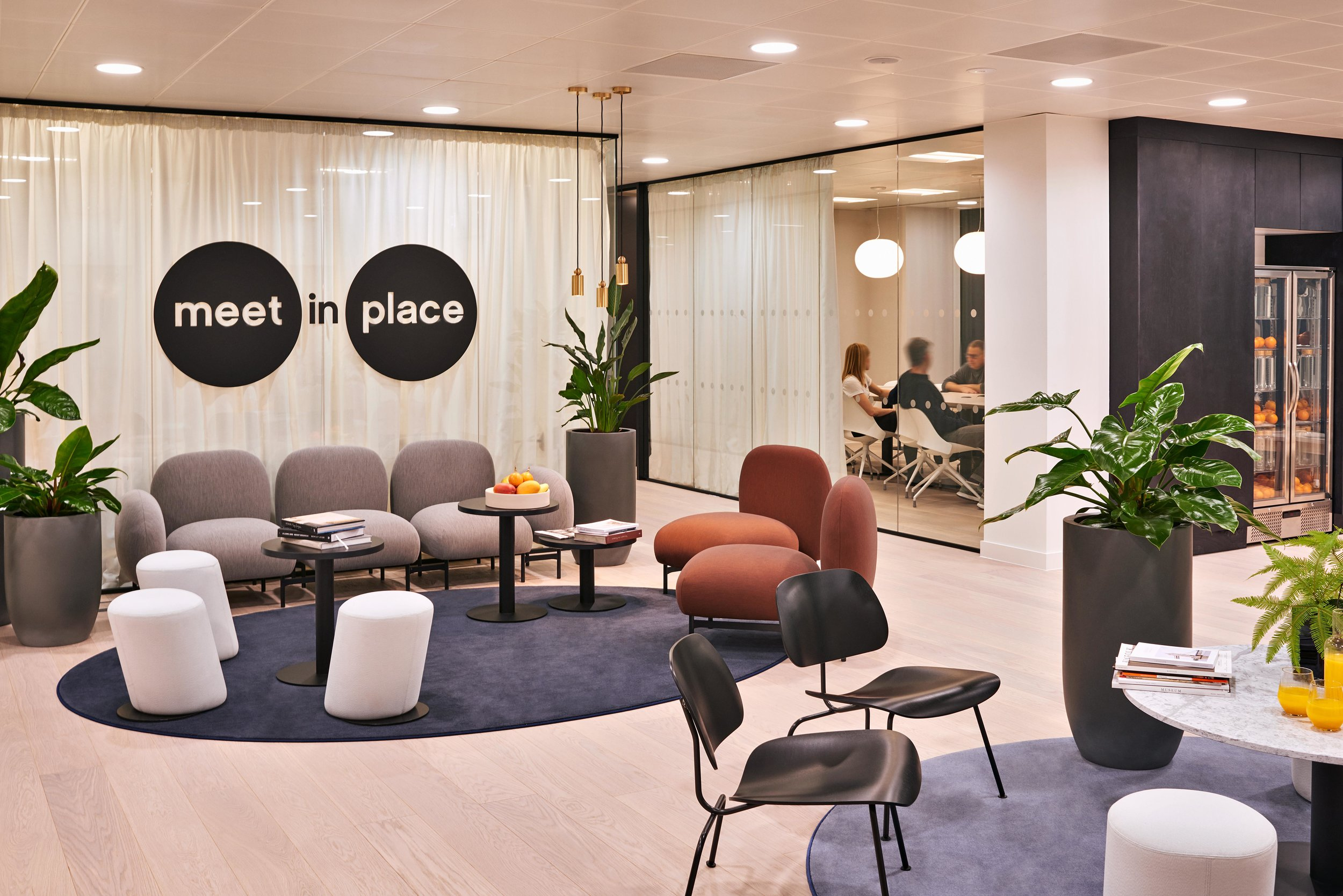 Meet in Place Reception Image Credit Tom Mannion (5).jpg