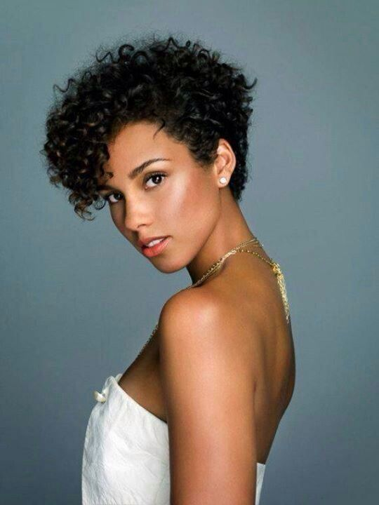 curls-understood-10-celebrities-with-short-natural-hair-alicia-keys.jpg