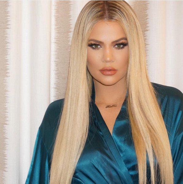 khloe kardashian blonde straight hair.jpg
