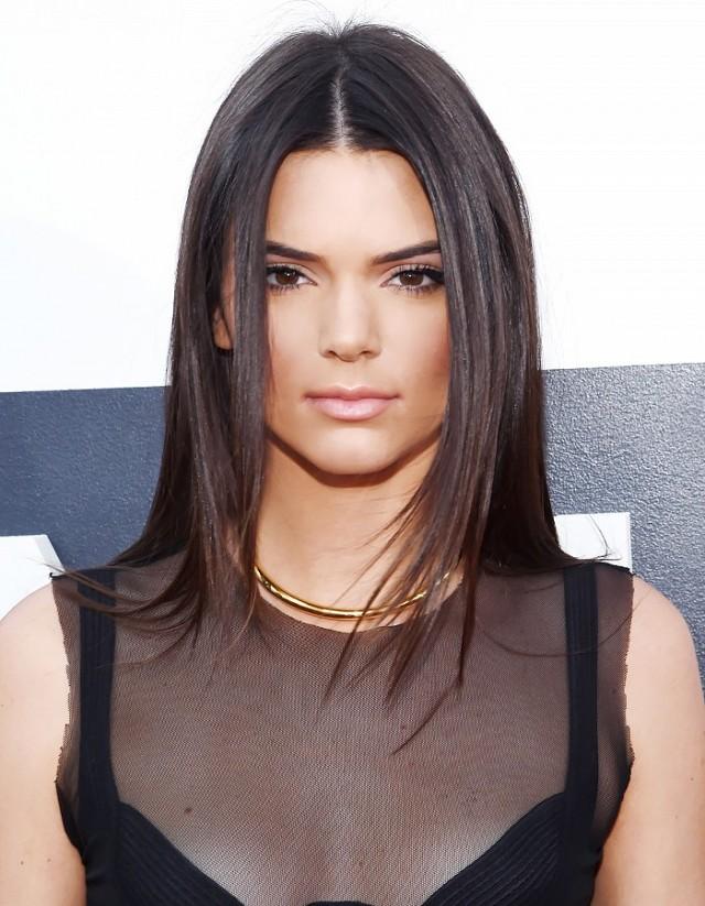 Kendall-Jenner-Super-straight-hair.jpg