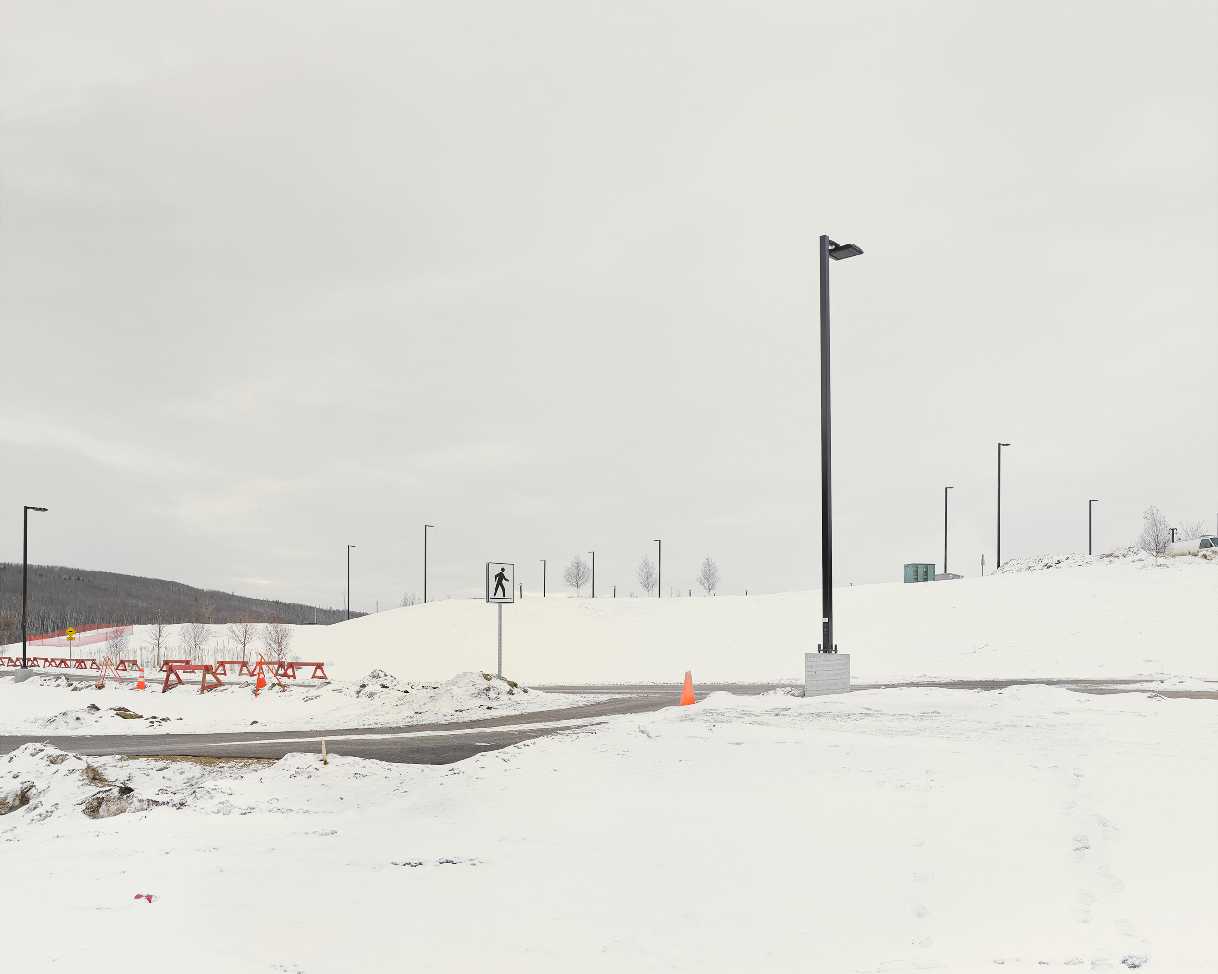 Hardin Road, Fort McMurray, Alberta, Canada, 2017. © Alan McFetridge