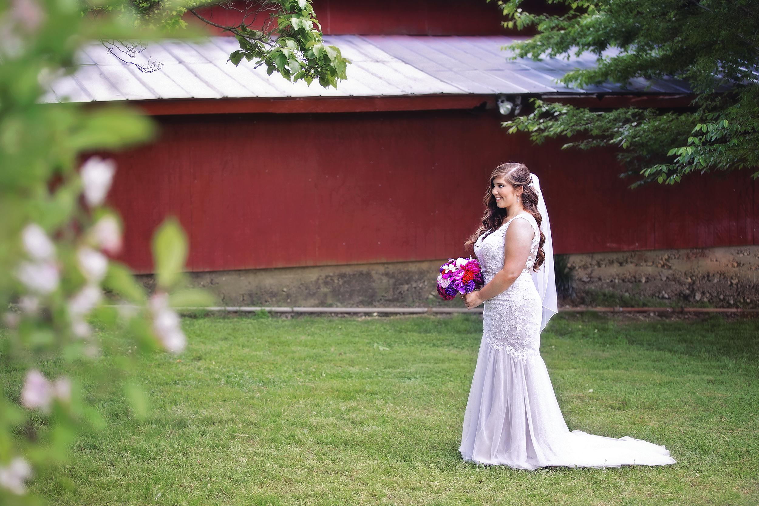 Beautiful Bride at the CoffeyBarn