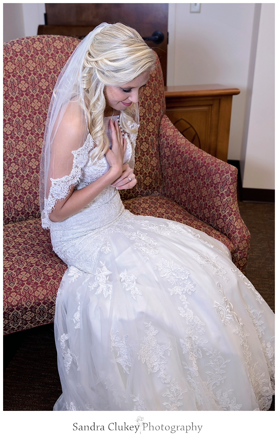 Bride reacts after reading letter from groom