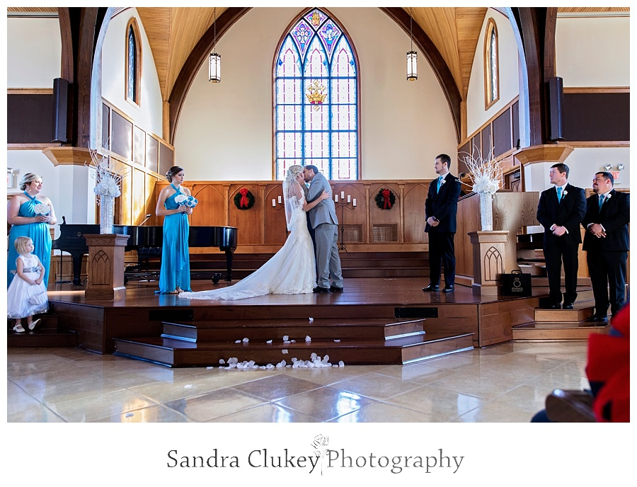 Getting Married in the Chapel at Lee University