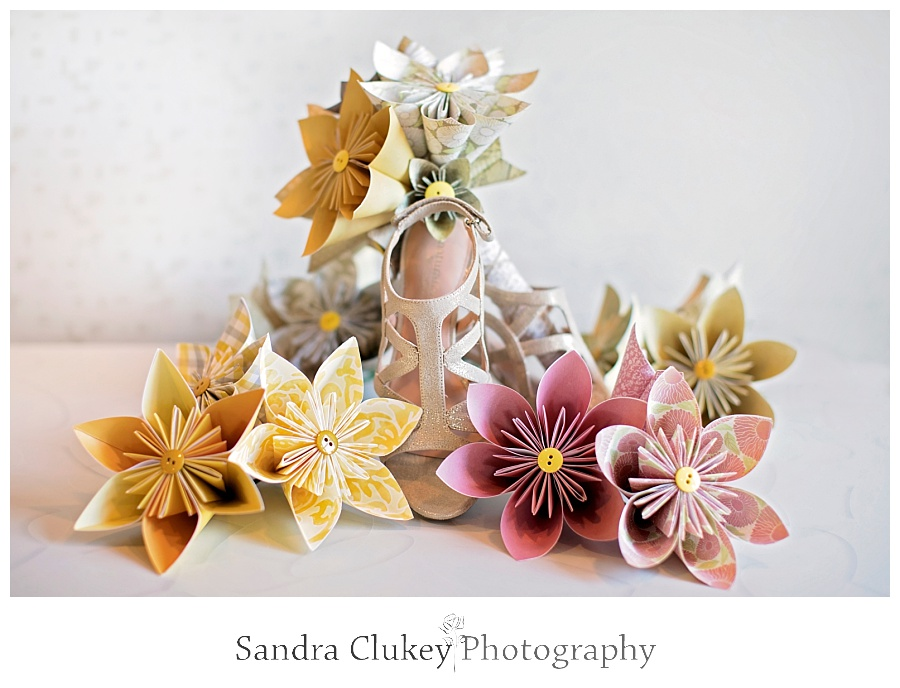 Bridal shoes with origami wedding bouquet