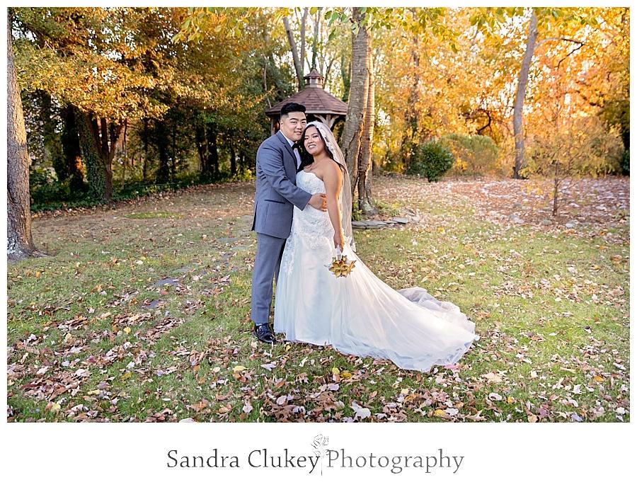 Ravishing bride and groom picture