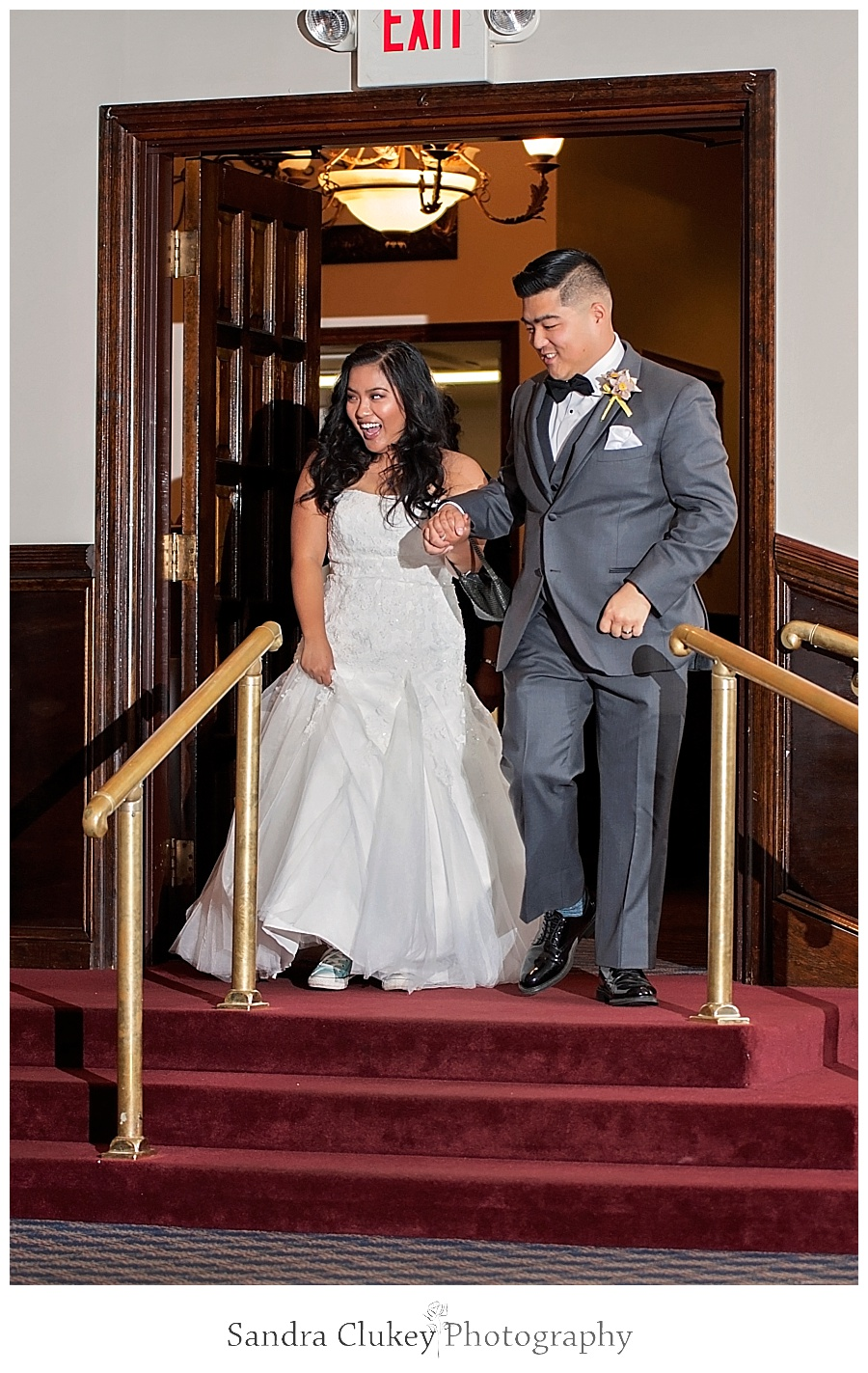 Stunning couple arrives on que