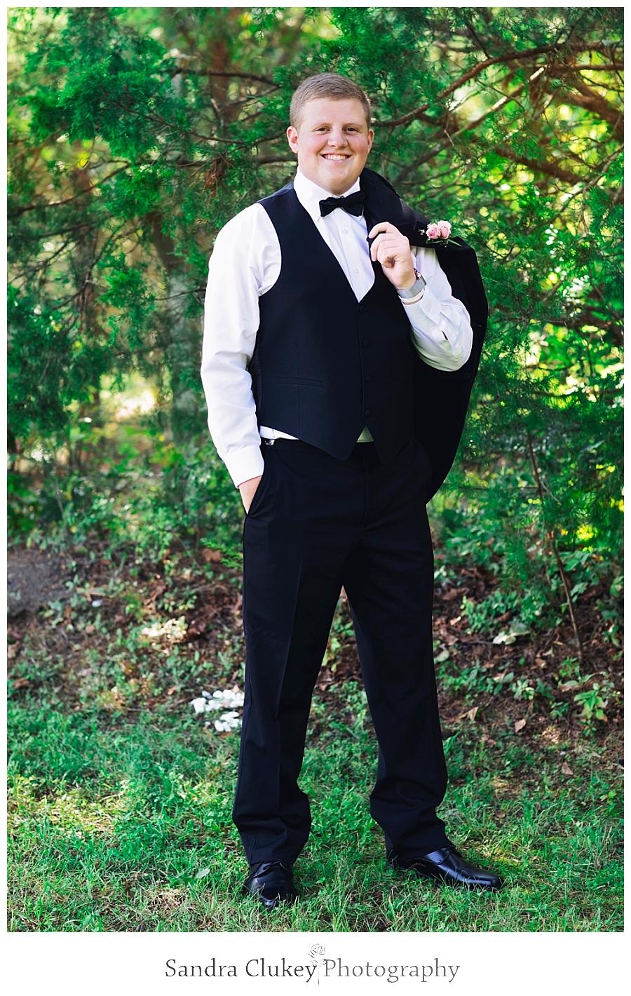 Handsome groom at Fletcher Park, Cleveland TN