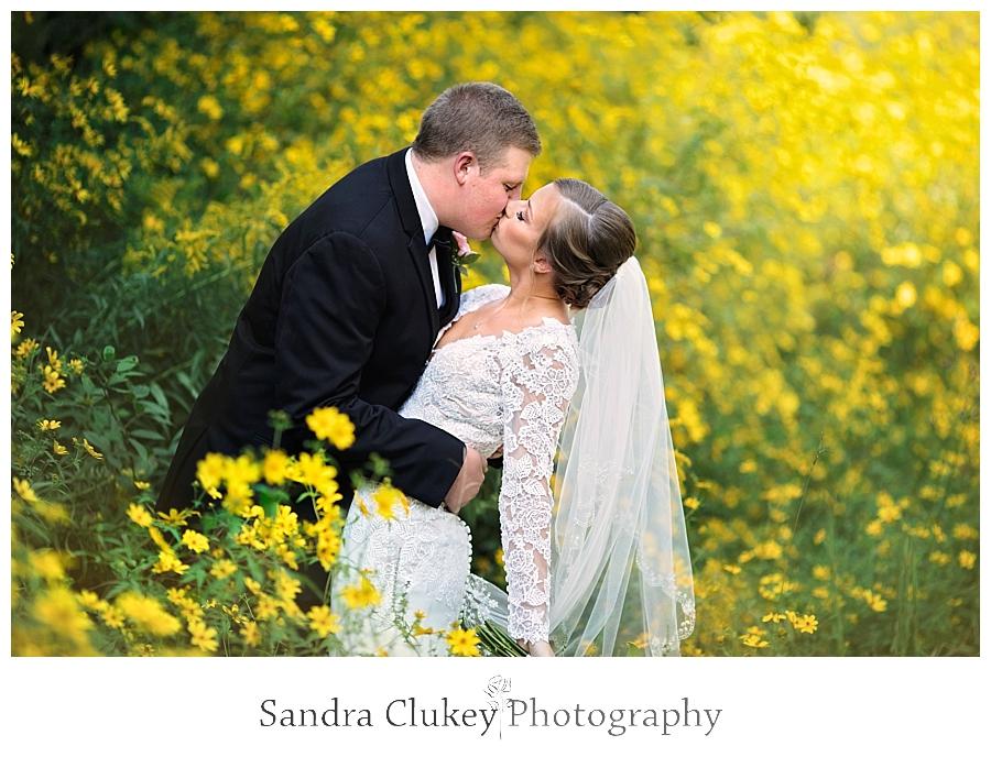 Fletcher Park Bride and Groom Kiss