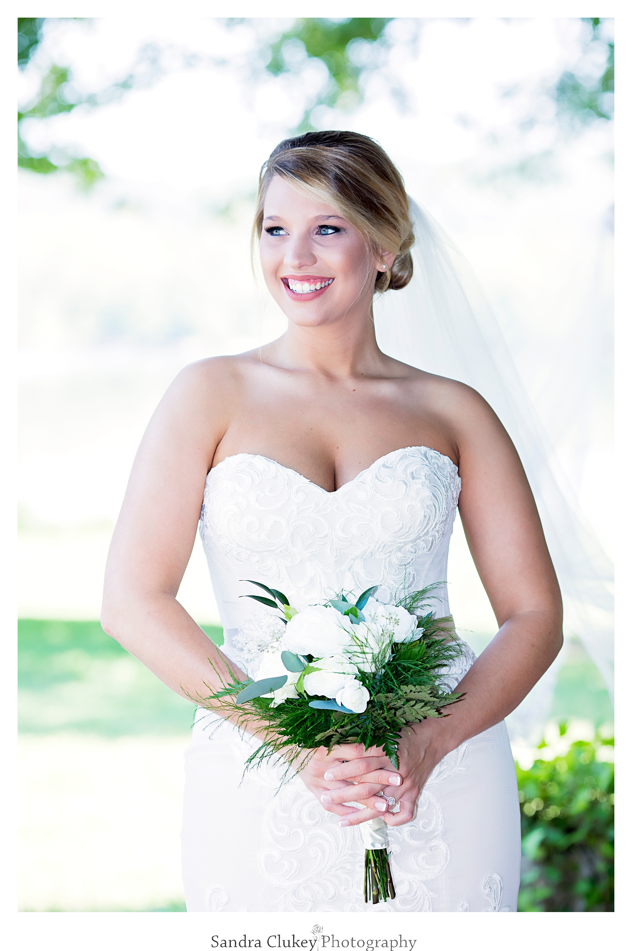 Bridal Portrait at Tennessee RiverPlace, Chattanooga TN