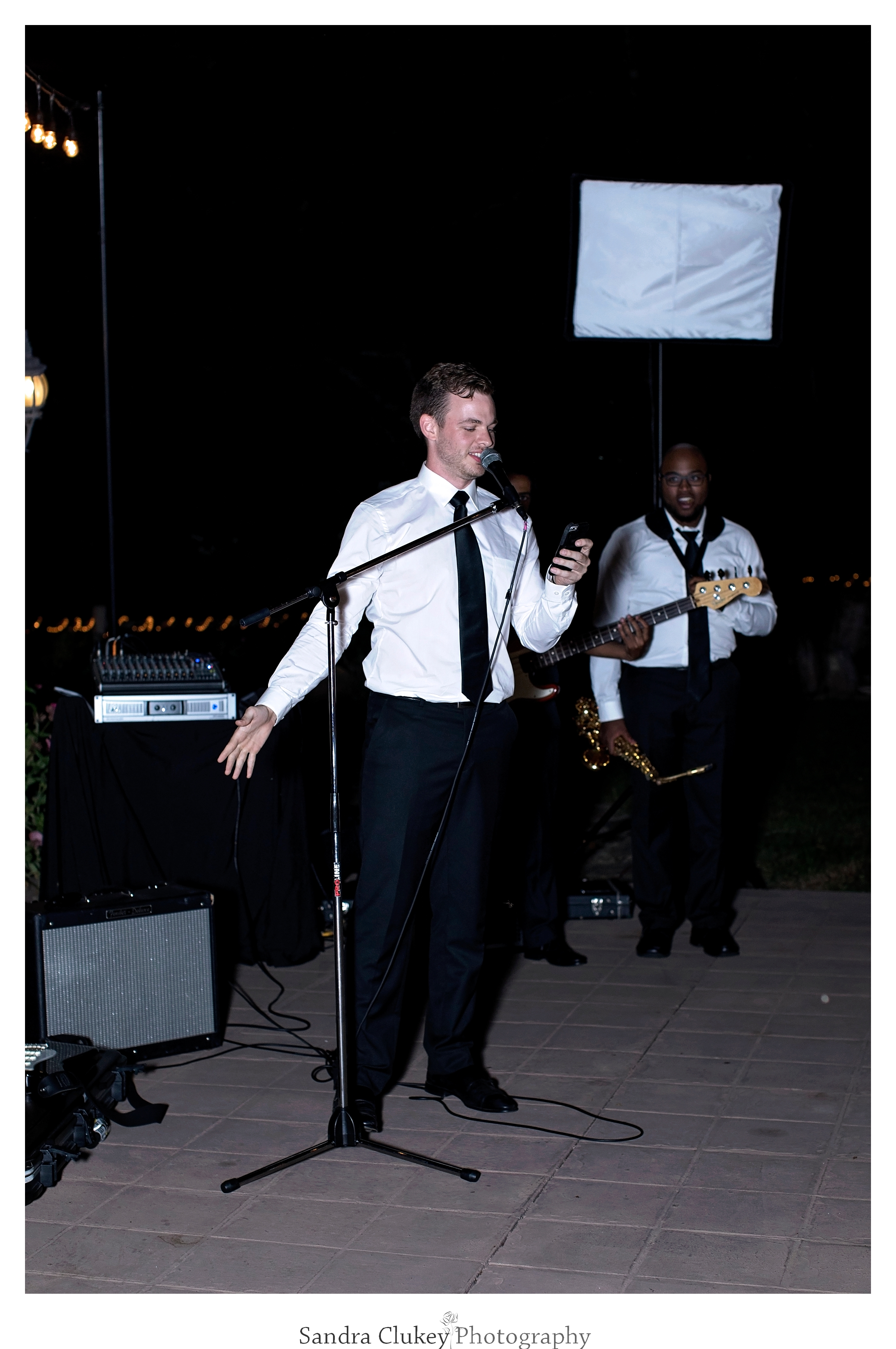 Clark Beckham entertains at Tennessee RiverPlace, Chattanooga TN wedding.