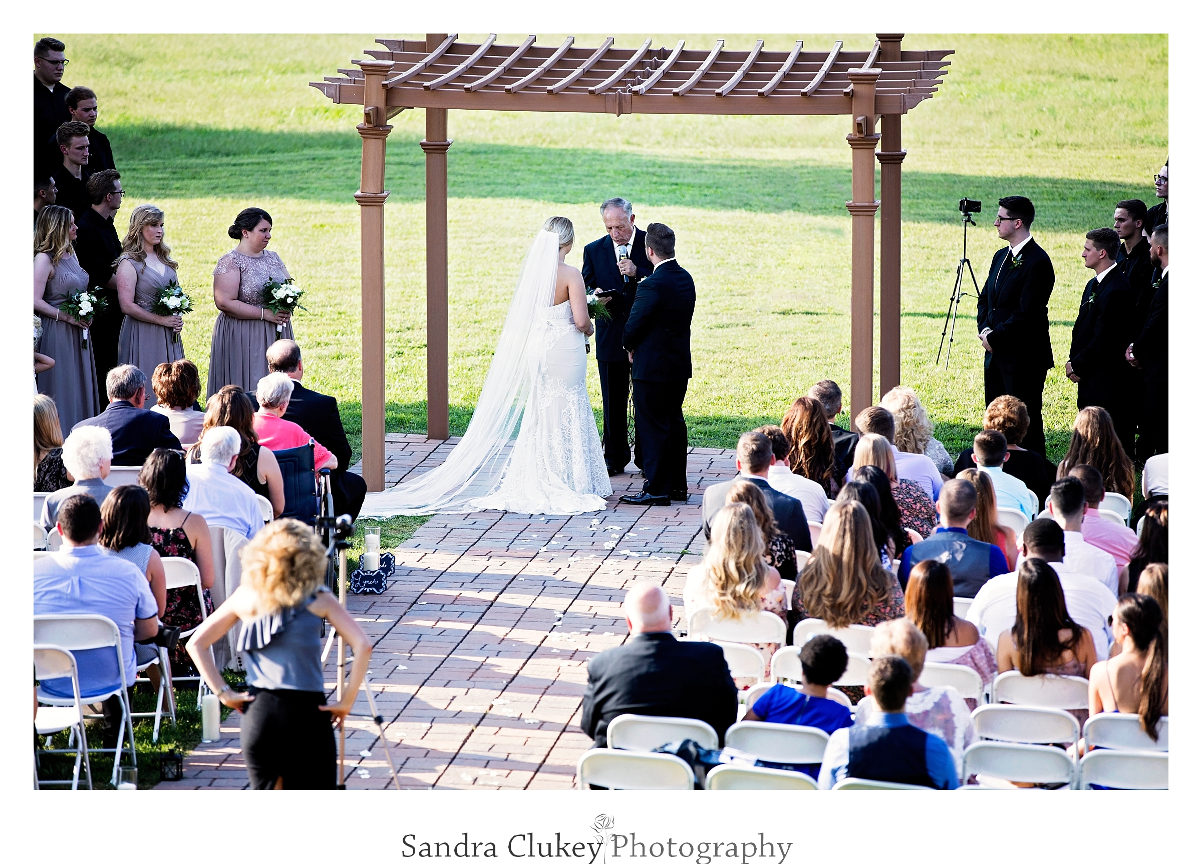 Tennessee RiverPlace Venue wedding ceremony.