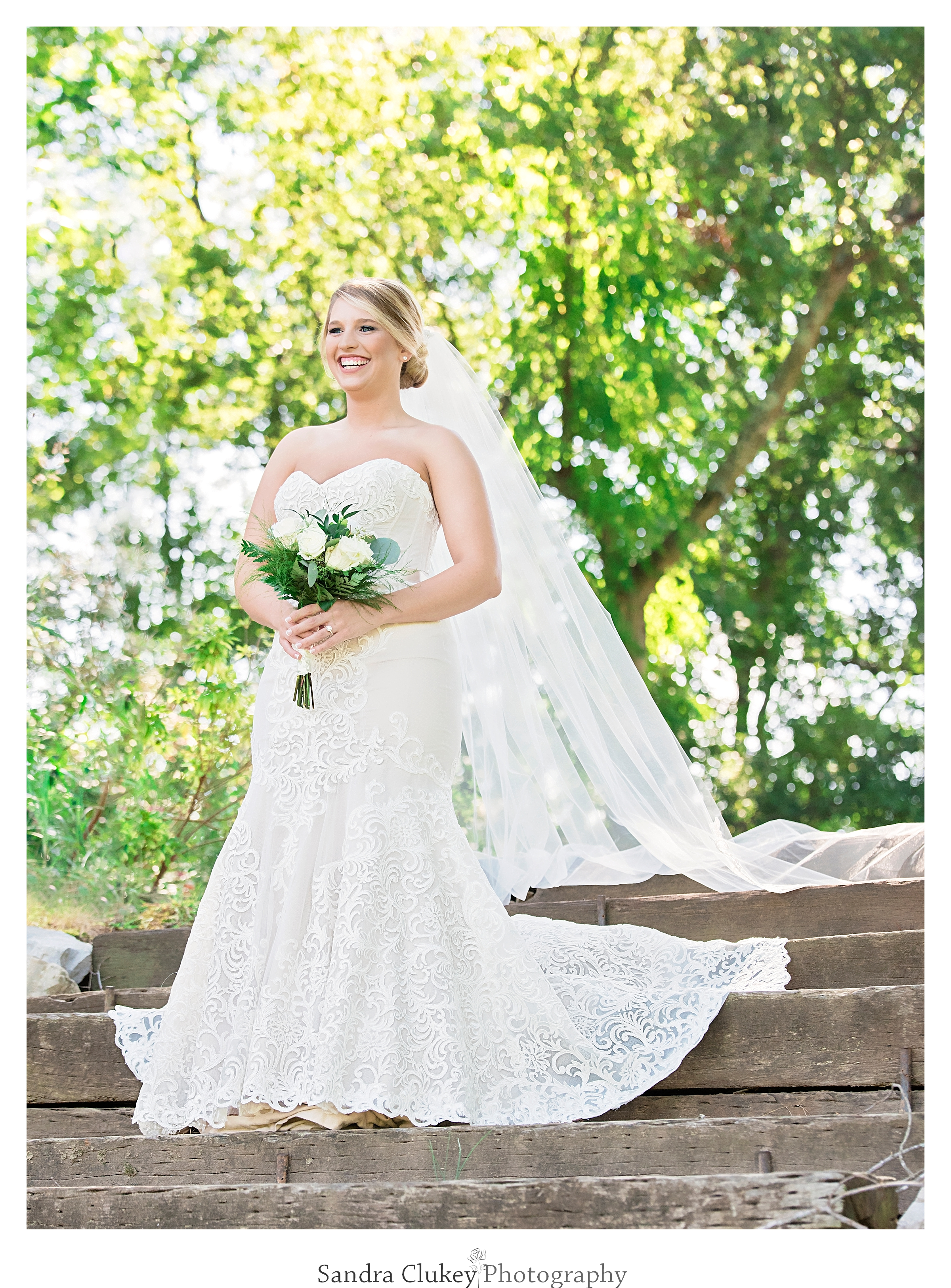 Tennessee RiverPlace Bridal Portrait. Chattanooga TN
