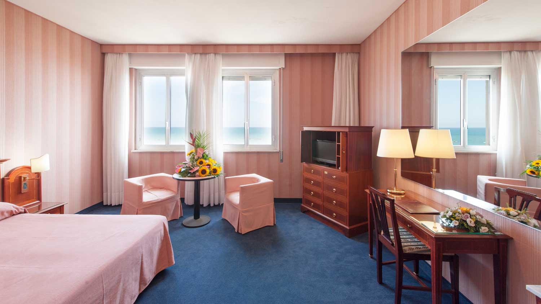 Hotel Eslpanade (Pescara, Italy)