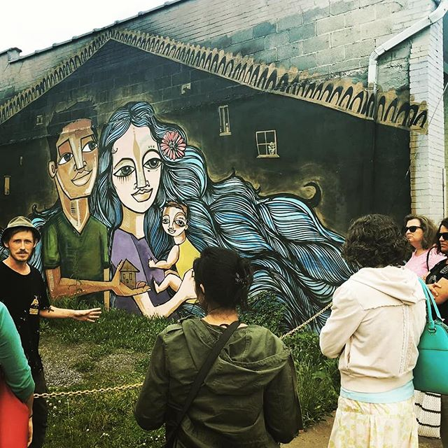 For those who don't know, plenty of #travel #journalists pass through the area, and of course S.A. is always glad to give a tour and spread the word of the great work we're doing. - #strasburgva #publicart #murals #muralism #art #bigthingsinsmalltowns - Photo via @discoverstrasburg, mural shown by @am_nyc