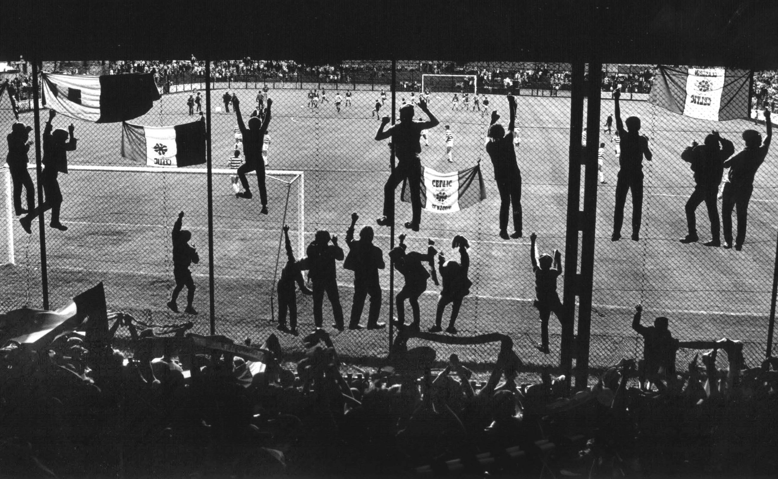 General - Sport Football supporters in cage 1984.jpg