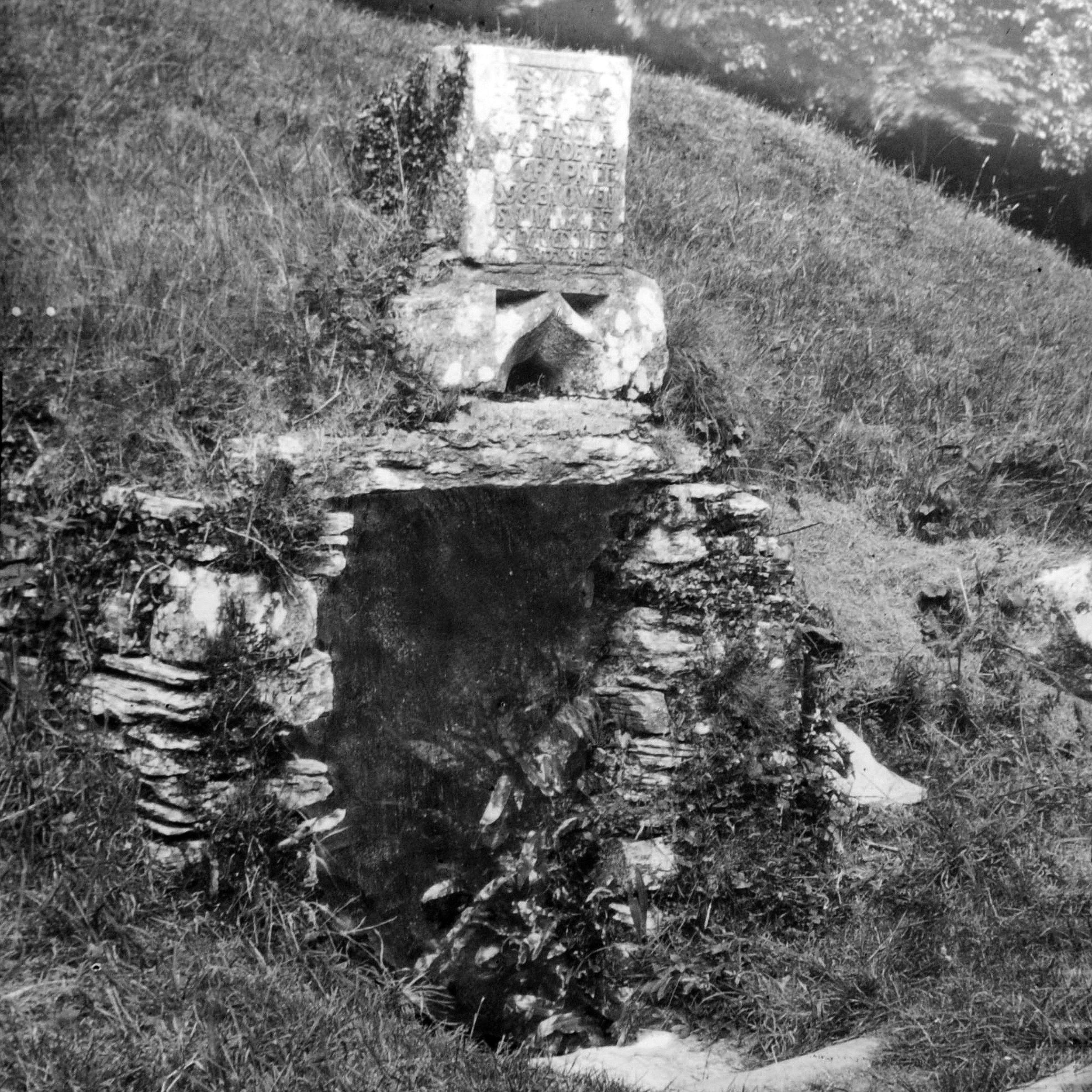 JSHP-Old Well, Dunkerran Castle, Kenmare, Co.Kerry..JPG