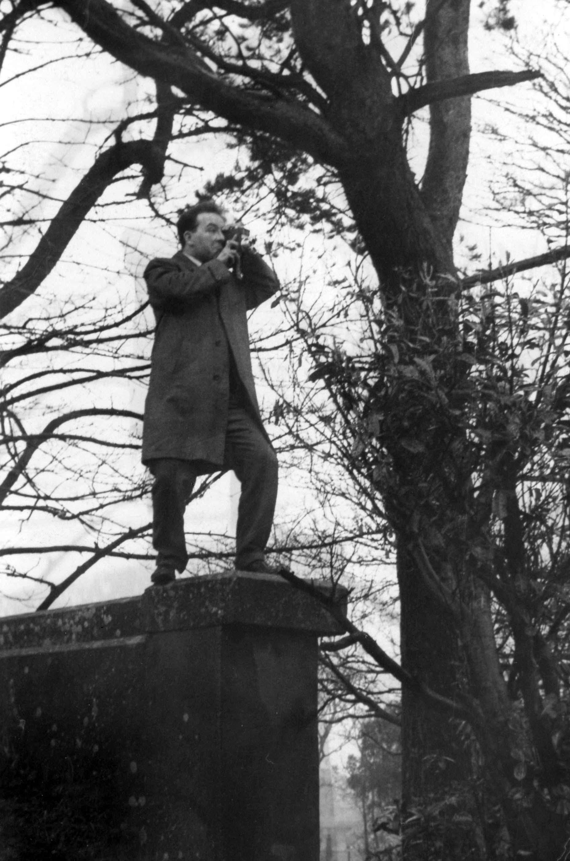 HM-Hugh McKeown Portrait 02.jpg